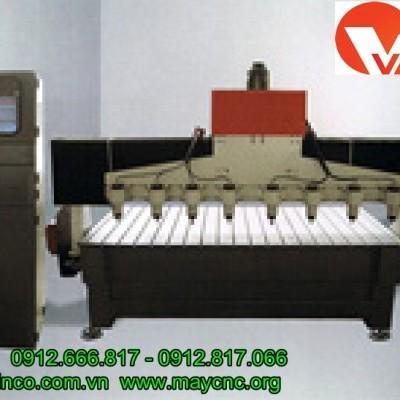 Máy cắt sắt CNC